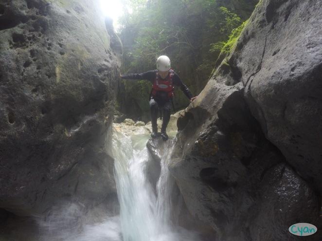 moalboal canyoning